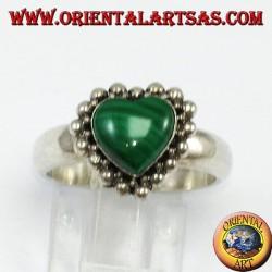 Серебряное кольцо с малахитом в форме сердца