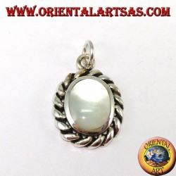 Silver pendant with oval mother of pearl and twisted edge