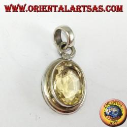 Ciondolo in argento con Topazio naturale ovale con montatura semplice