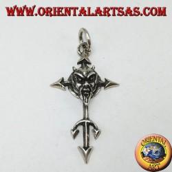 Ciondolo  in argento il volto del diavolo sulla croce