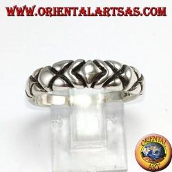 Anillo en plata, con cinco diamantes tallados