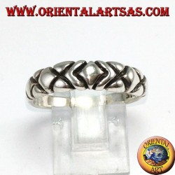 Ring in silver, with five carved diamonds
