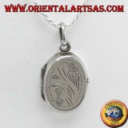 Ciondolo Portafoto ovale intagliato in argento (piccolo)