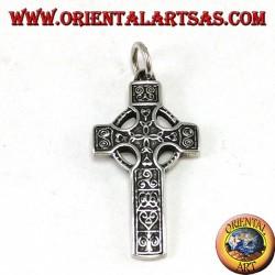 Ciondolo d'argento, croce celtica con 4 nodi di tyrone centrali