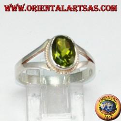 Anello in argento con peridoto naturale (piccolo)