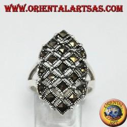 Anello in argento con marcasite quadrate