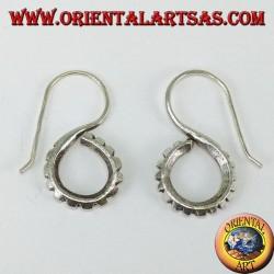 Orecchini in argento a forma di S intagliata tribale Karen fatto a mano