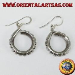 Orecchini pendente in argento a tondo intagliato tribale Karen fatto a mano
