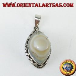 Ciondolo occhio di Shiva con una incastonatura alta in argento