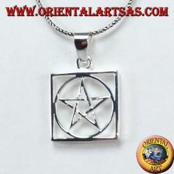 Ciondolo in argento a pentacolo intrecciato contornato da cerchio nel quadrato