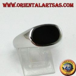 Silver ring with flat oval onyx mounted crosswise