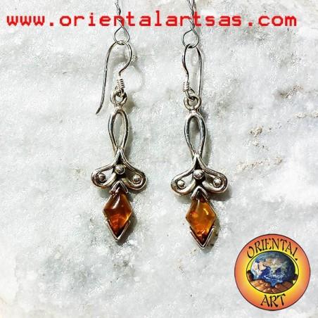 Orecchini in argento pendente con ambra a rombo