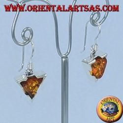 Orecchini in argento pendente semplice con ambra triangolare