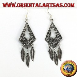Silver earrings, in rhombus chiselled with three hanging feathers