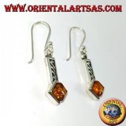Orecchini in argento intarsiato con ambra quadrata