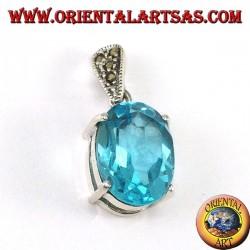 Ciondolo in argento con Topazio blu ovale incastonato