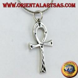 Colgante de plata con una cruz egipcia ankh (llave de la vida) con incrustaciones
