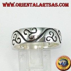Silver ring with engraved triskell