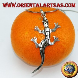 Pendant in gecko silver with studs on the back