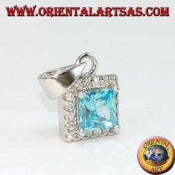 Ciondolo in argento con Topazio azzurro quadrato contornato di zirconi