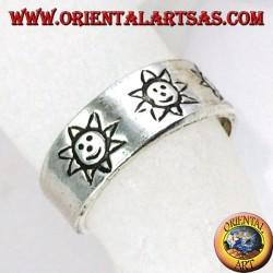 Anello in argento da piedi o falange con sole intarsiato