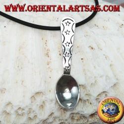Ciondolo in argento piccolo cucchiaino con stelline incise