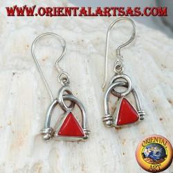Серебряные серьги с естественным треугольным кораллом