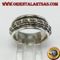 Band ring in silver Convex antistress swirled and carved