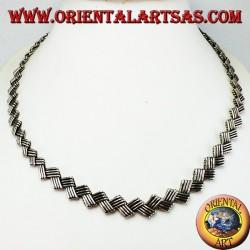 Collana in argento girocollo etnico piatto