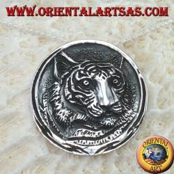 Ciondolo in argento, testa di tigre a medaglione