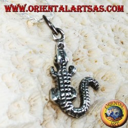 Crocodile pendant in silver
