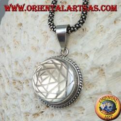 Pendentif en argent avec Sri Yantra gravé en cristal de roche (moyen)