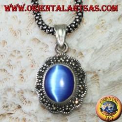 Ciondolo in argento con cimòfane (occhio di gatto blu) contornato di marcassite