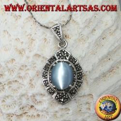 Ciondolo in argento con cimòfane ovale (occhio di gatto grigio) e marcassiti