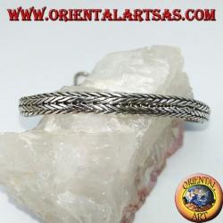 Серебряный браслет, овальная часть оплетки 6 * 4 * 230 мм. в длину