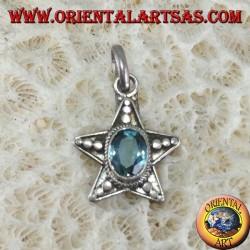 Pendentif étoile en argent avec topaze bleue ovale