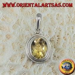 Серебряный кулон с овальным граненым натуральным топазом