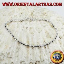 Bracelet en argent de sphères de 3 mm. sur une chaîne