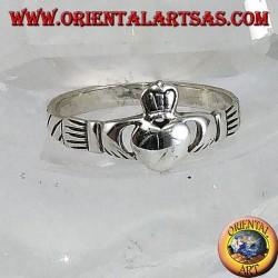 Anello in argento Claddagh simbolo celtico di Amore Lealtà ed Amicizzia