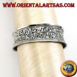 Bracciale in argento, rigido cesellato a mano con motivi floreali (concavo)