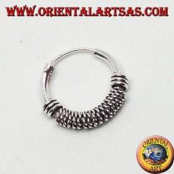 Orecchino in argento, cerchio lavorato intreccio stretto tra cerchi, 12 mm