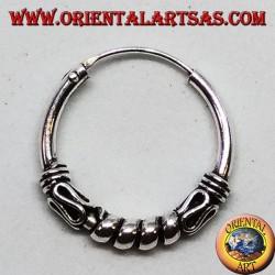 Boucle d'oreille en argent, cercle cercles travaillés entre serpentine, 18 mm