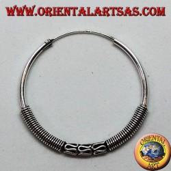 Silberner Ohrring, Kreis arbeitete Dreifachspule zwischen Verflechten, 30 Millimeter