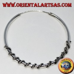 Orecchino in argento, cerchio lavorato serpentina attorcigliata, 40 mm