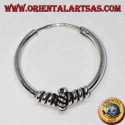 Orecchino in argento, cerchio lavorato cerchio intrecciato tra intreccio, 20 mm