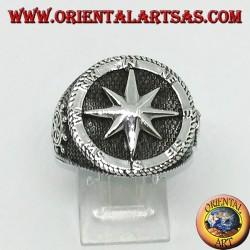Anello in argento con rosa dei venti, timone e ancora sui lati