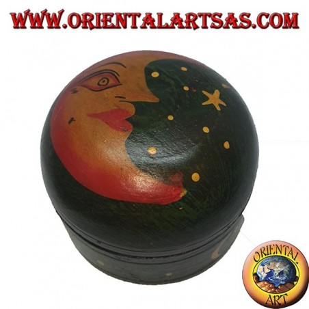 Jewelery box in green round balsa wood depicting moon and stars
