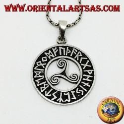 Pendentif en triskèle d'argent (triskell, triquetra) dans le disque de runes