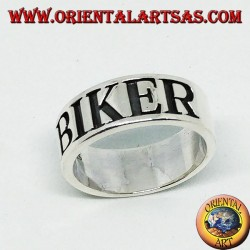 Anello a fascia in argento con incisione BIKER