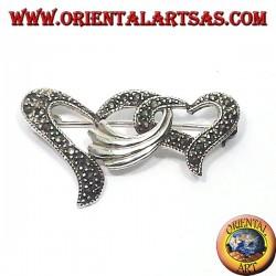 Серебряная брошь с маркасситами с двумя переплетенными сердцами